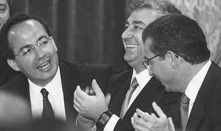 La fe de Felipe Calderón esta en el glamur del poder