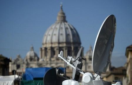 ITALY-VATICAN-POPE-MEDIA