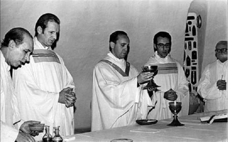 """Bergoglio como jesuita se rebeló al progresismo católico incluso increpó al padre Arrupe de """"marxista"""""""