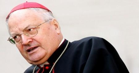 Cardenal Angelo Sodano, uno de los personajes más polémicos y oscuros en el Vaticano