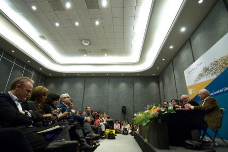 Marcial Maciel: historia de un criminal, de Carmen Aristegui, en la 24 Feria Internacional del Libro de Guadalajara. Guadalajara, Jalisco. Noviembre 28, 2010