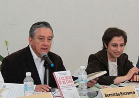 """Bernardo Barranco y Carmen Aristegui en la presentación del libro """"La voluntad de no saber"""", en Marzo de 2012, León Guanajuato."""