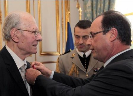 Emile Poulat, nuestro maestro, condecorado por su trayectoria académico por el primer ministro francés François Hollande