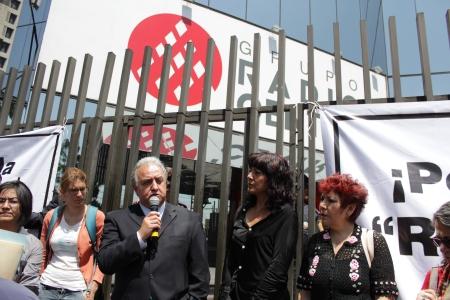 manifestación pública, jueves 4 de abril,  frente a las instalaciones radio centro de radio escuchas, organizaciones civiles e Iglesias.