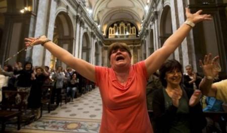 La protesta de las mujeres por su rol subordinado en la Iglesia es cada vez más patente