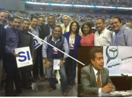 Esta foto circuló en las redes en la que se observa al funcionario electoral García Marín participando en la asamblea nacional del PAN