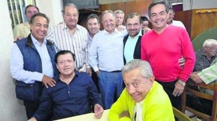 El Cardenal en Avion, Galicia, España en compañía de sus poderosos amigos: Olegario Vázquez Raña, Carlos Slim y Miguel Alemán entre otros