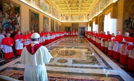 El Papa reformará esta Curia. Sus decleraciones han causado inquietud y hasta terror en muchos funcionarios de la Santa Sede