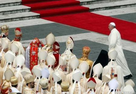 Francisco-entrega-su-primera-exhortaci-n-apost-lica