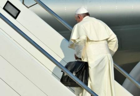 Papa con su maletín