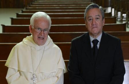 Mons. Raúl Vera y Bernardo Barranco en la ciudad de México ,en una de las sesiones de conversación.