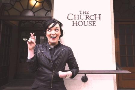Los derechos de las mujeres en las Iglesias, un debate teológico, hermenéutico y político
