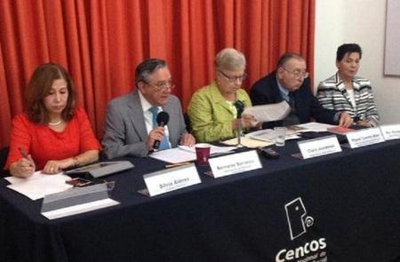 Presentación pública de la Carta en Cencos. Silvia Alonso, Bernardo Barranco, Clara Jusidman, P. Miguel Concha y Enriqueta Cepeda