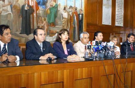 Los legisladores mexiquenses en 2005 tomaron la decisión de destituir a los consejeros por el escándalo de Cartonera Plástica