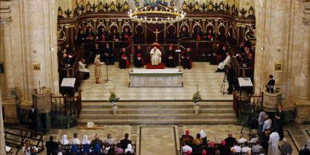 Pobreza y misericordia pide Francisco a los miembros del clero en la Catedral de La Habana