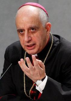 RINO FISICHELLA responsable del Jubileo y  Presidente del Consejo Pontificio para la Promoción de la Nueva Evangelizaciónla