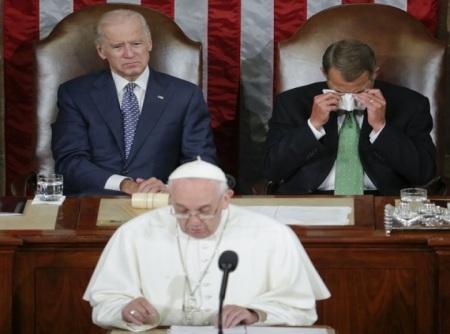 """Hubo """"lagrimas de cocodrilo"""" en el congreso estadounidense ante emotivo mensaje de Francisco"""