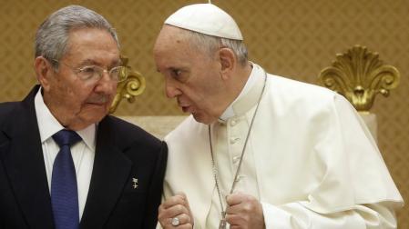 papa_Francisco_y_Raul_Castro