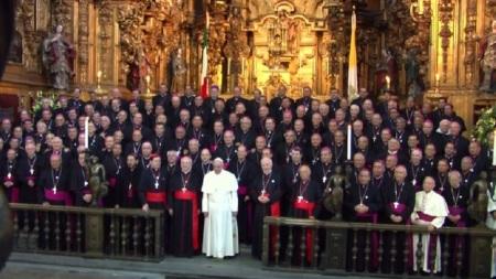 Papa-en-Catedral-