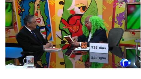 Bernardo barranco conversa con Brozo en su noticiero de Foro TV